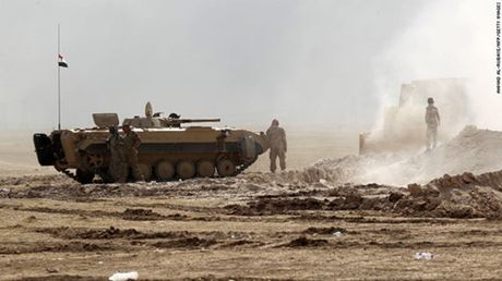 Nguy co khung hoang nhan dao do chien dich quan su o Mosul - Anh 1