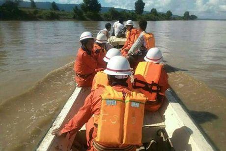 Myanmar tim thay nhieu thi the sau vu chim pha - Anh 1