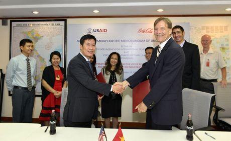 USAID 'bat tay' Coca-Cola nang cao hieu qua nang luong tai Viet Nam - Anh 1