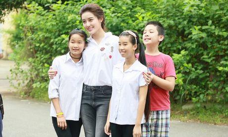 Huyen My: 'Khong ngai tieng lam mau khi ung ho mien Trung' - Anh 1