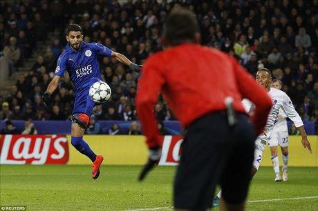 Leicester City 1-0 Kobenhavn: Riyad Mahrez viet lich su cho Bay cao - Anh 3