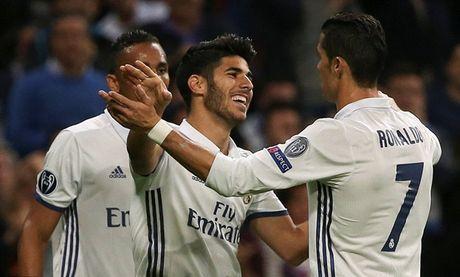 Ronaldo vo duyen, Real van 'diet gon' Legia tren san nha - Anh 3