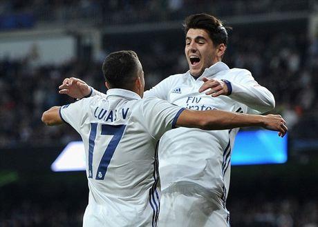 Ronaldo vo duyen, Real van 'diet gon' Legia tren san nha - Anh 4