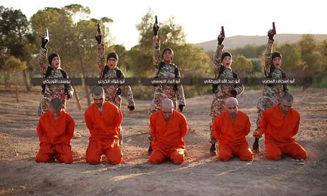Kinh hai nhung vu phien quan IS nhi hanh quyet tu binh - Anh 6