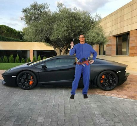 Khoe sieu xe, Cristiano Ronaldo bi che anh the tham - Anh 5
