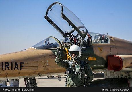Kinh ngac canh Khong quan Iran trien khai tap tran lon - Anh 10