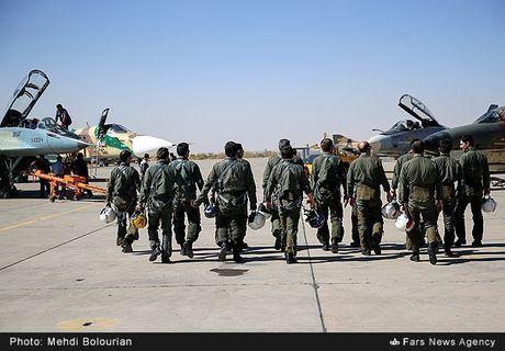Kinh ngac canh Khong quan Iran trien khai tap tran lon - Anh 11