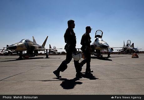 Kinh ngac canh Khong quan Iran trien khai tap tran lon - Anh 12