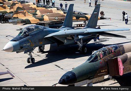 Kinh ngac canh Khong quan Iran trien khai tap tran lon - Anh 13