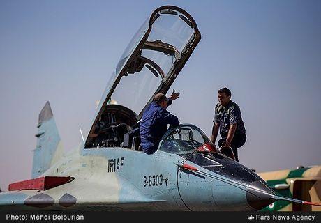 Kinh ngac canh Khong quan Iran trien khai tap tran lon - Anh 15