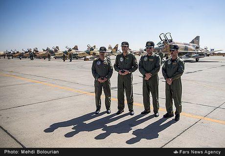 Kinh ngac canh Khong quan Iran trien khai tap tran lon - Anh 2
