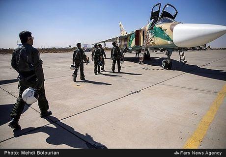 Kinh ngac canh Khong quan Iran trien khai tap tran lon - Anh 3