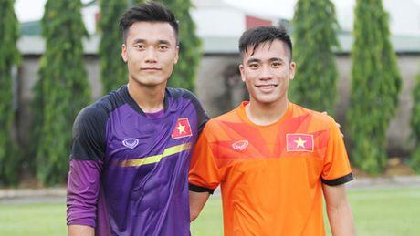Chuyen it biet ve hai anh em cung khoac ao U19 Viet Nam o VCK U19 chau A 2016 - Anh 1