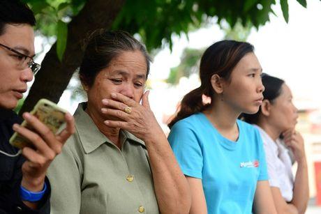 Phat hien xac may bay truc thang bien dang, 3 phi cong tu nan - Anh 1