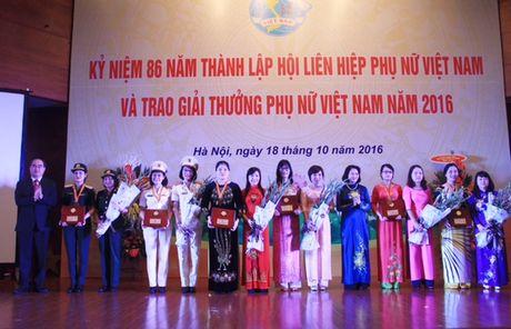 Giai thuong Phu nu Viet Nam 2016 vinh danh 6 tap the, 10 ca nhan - Anh 1