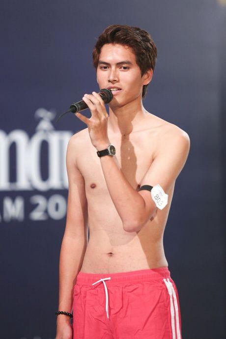 "Nhung ""nam than"" khong lo va dien trai o cac phien ban Top Model - Anh 17"