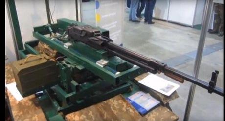 Ukraine che robot thay the quan linh o Donbass - Anh 1