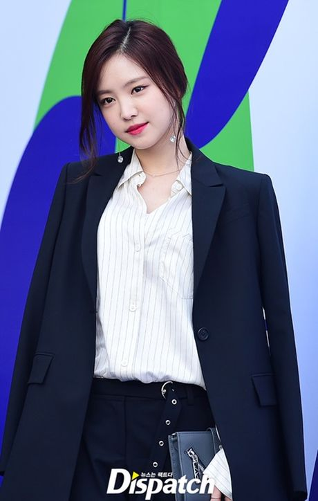 Na Eun nam tinh, Kim So Hyun gia dan tai Seoul Fashion Week - Anh 1