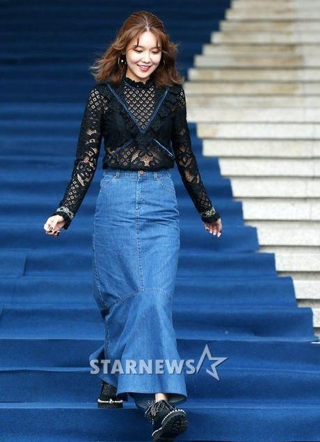 Na Eun nam tinh, Kim So Hyun gia dan tai Seoul Fashion Week - Anh 4