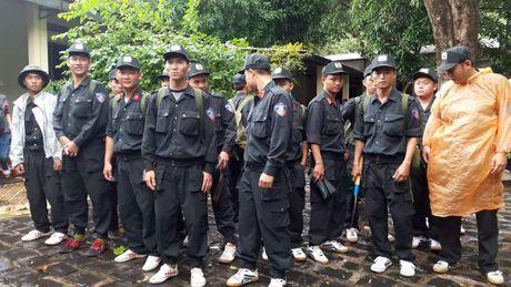 Dang mo duong rung de dua thi the 3 phi cong xuong nui - Anh 4