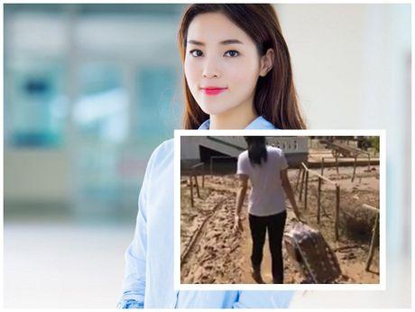 Sau MC Phan Anh, Hoa hau Ky Duyen lang le ve voi mien Trung - Anh 1