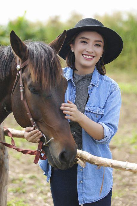 Lan dau cuoi ngua, Tieu Chau Nhu Quynh nga tray chan tay - Anh 1