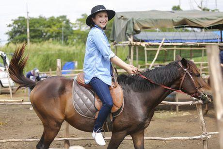 Lan dau cuoi ngua, Tieu Chau Nhu Quynh nga tray chan tay - Anh 3