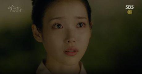 Nguoi tinh anh trang tap 16: IU chung kien Lee Jun Ki giet chet em trai - Anh 5