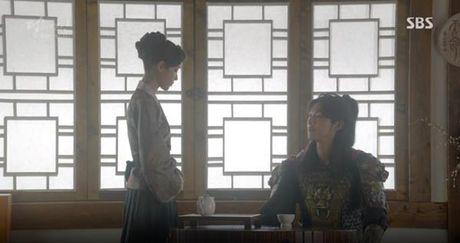 Nguoi tinh anh trang tap 16: IU chung kien Lee Jun Ki giet chet em trai - Anh 9