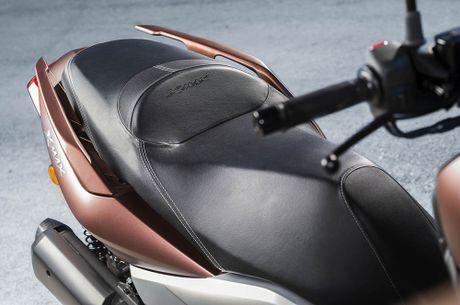 Trinh lang tay ga Yamaha X-MAX 300 2017 hoan toan moi - Anh 7
