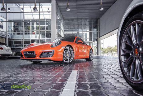 Ve dep Porsche 911 Carrera mau doc Lava Orange gia hon 8 ti dong - Anh 2