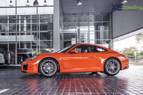 Ve dep Porsche 911 Carrera mau doc Lava Orange gia hon 8 ti dong - Anh 9