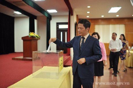 Nganh Cong Thuong ung ho 6 ty dong cho nguoi dan vung lu - Anh 5