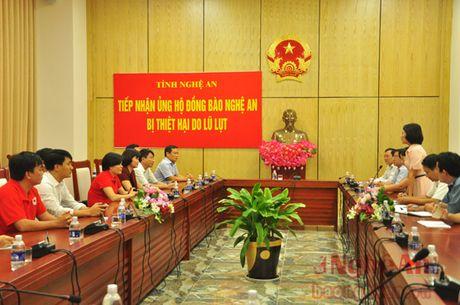Hoi Chu thap do Viet Nam va tinh Ha Nam ung ho 400 trieu dong cho ba con vung lu Nghe An - Anh 1
