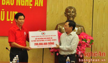 Hoi Chu thap do Viet Nam va tinh Ha Nam ung ho 400 trieu dong cho ba con vung lu Nghe An - Anh 2
