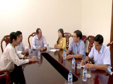 An Giang: Ho tro khan cap 600 trieu dong cho dong bao mien Trung bi lu lut - Anh 1