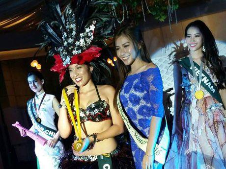 Tro tai hat tieng Anh, Nam Em doat huy chuong bac tai Miss Earth 2016 - Anh 1