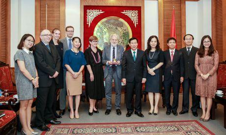 Bo truong Nguyen Ngoc Thien tiep Dac phai vien thuong mai cua Thu tuong Anh - Anh 4