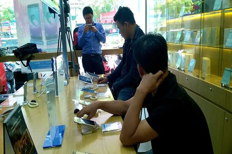 Da Nang: Gan 80% khach hang hoan tra Galaxy Note 7 - Anh 2
