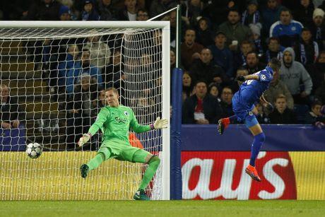 Thang tran thu 3, Leicester viet tiep co tich o chau Au - Anh 5