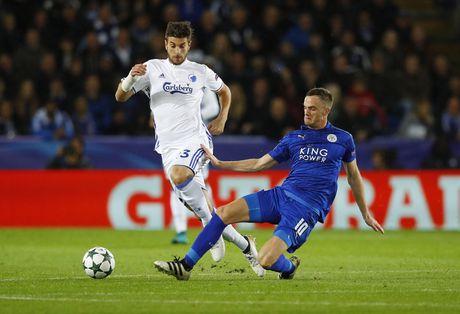 Thang tran thu 3, Leicester viet tiep co tich o chau Au - Anh 8