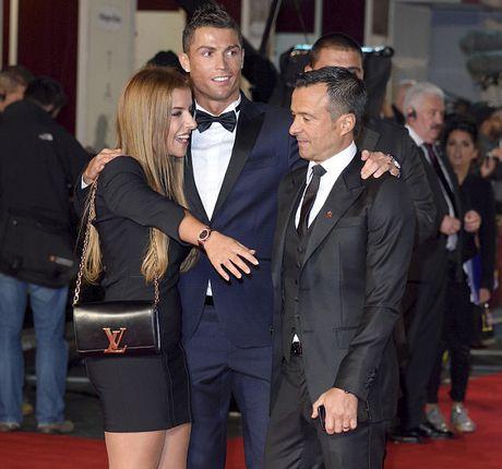 Ronaldo chon con gai 'sieu co' Mendes lam tro ly - Anh 2