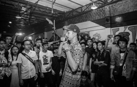 Rapper Den: 'Toi mong hop tac voi Le Cat Trong Ly' - Anh 1
