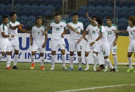 HLV U19 Viet Nam nghi U19 Iraq... gian tuoi - Anh 1