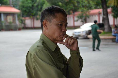 Gia dinh nac nghen o nha tang le cho thi the 3 phi cong - Anh 1