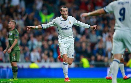 Champions League: Ronaldo tit ngoi, Real van thang 5 sao - Anh 1
