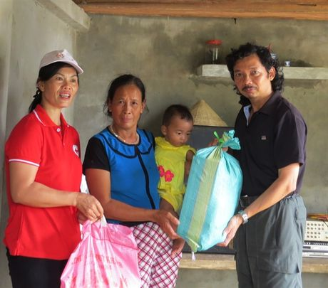 Chung suc cung ba con vung lu Quang Binh - Anh 9