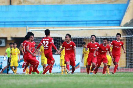 HLV Vuong Tien Dung bat ngo truoc su tien bo cua U19 Viet Nam - Anh 2