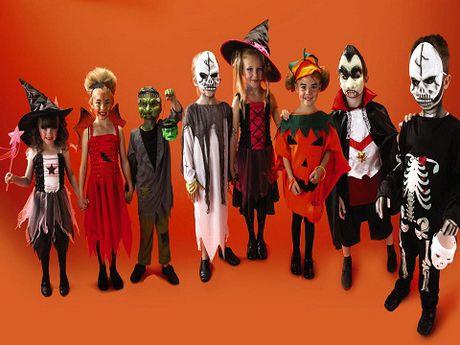 Do choi Halloween: Bien hoa an tuong voi du kieu mat na - Anh 1