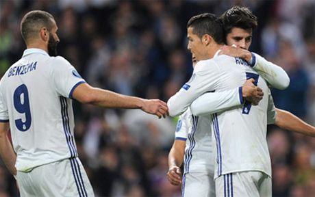 Clip Real 5-1 Legia: Ngay Ronaldo lam 'kep phu' - Anh 1